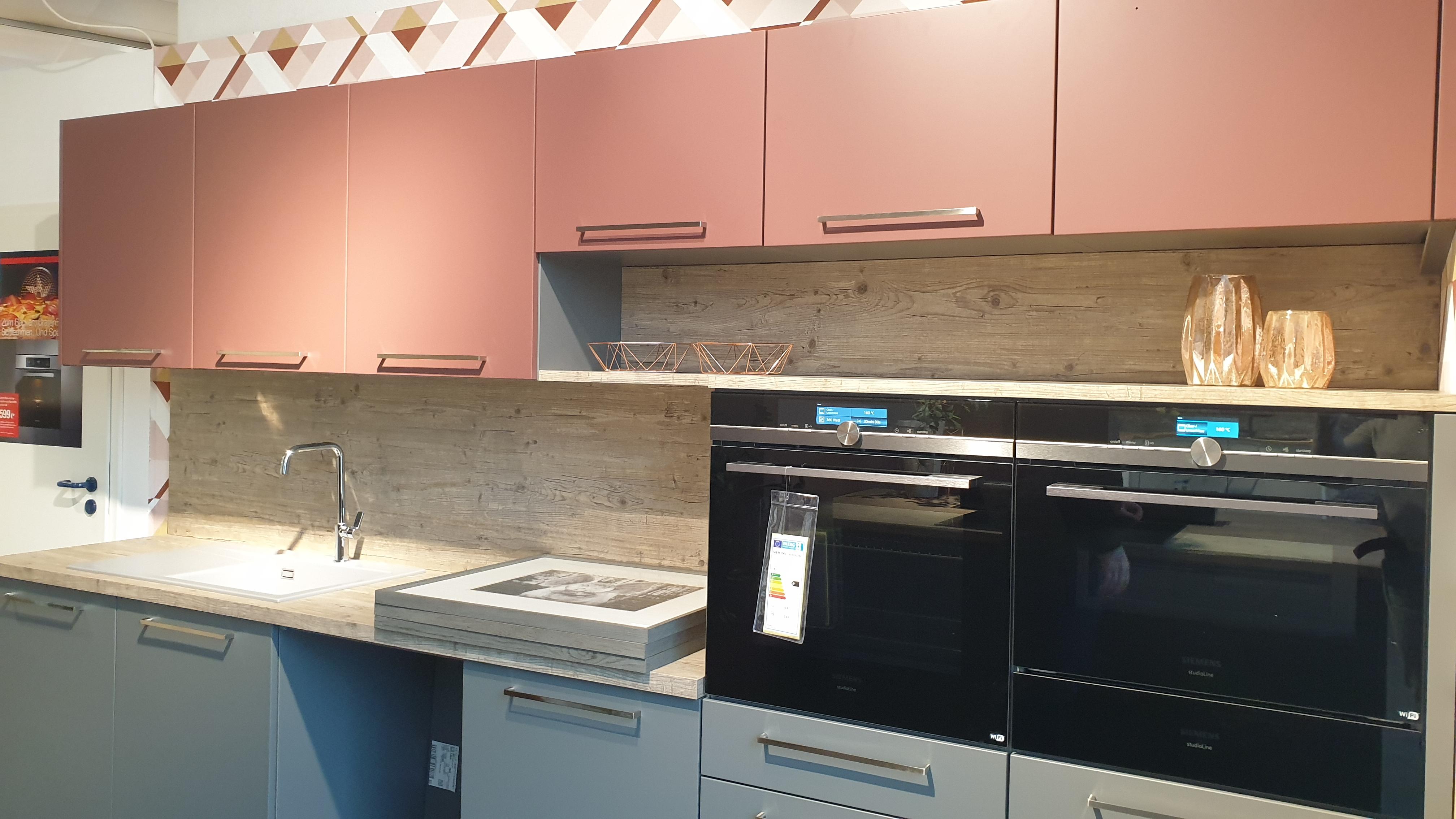 Einbauküchen mit Elektrogeräten